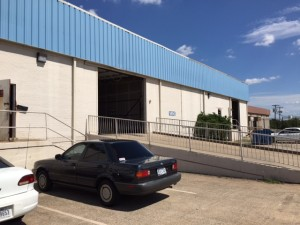 Exterior of Larry Duncan's transmission shop in Grand Prairie, Texas